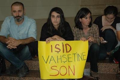 'Tezkere' �zmir Adliyesinde protesto edildi