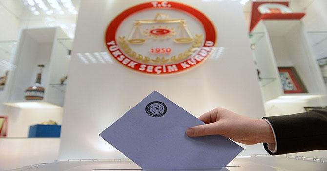 53 milyon seçmen için 74 milyon oy pusulası