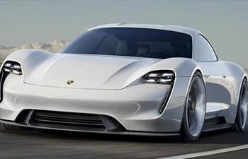 Porsche, bu yıl 2 modelini tanıtacak