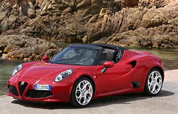 Alfa Romeo 4C Spider Türkiye'de!
