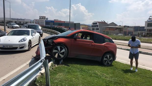 Sercan Yıldırım kaza yaptı