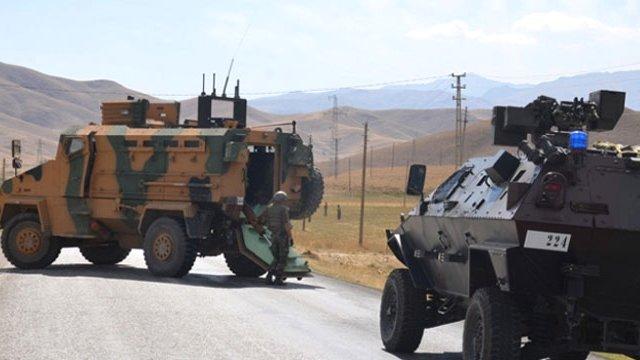 Hakkari'de askeri araca saldırı