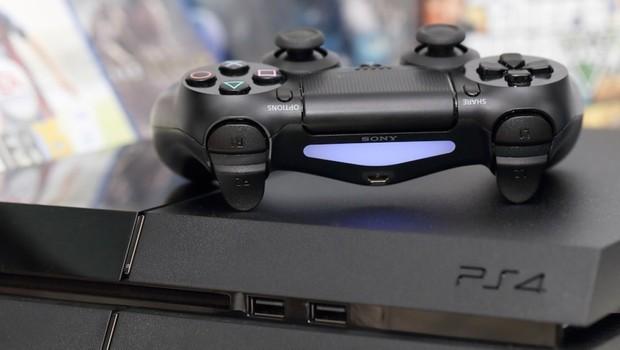 PlayStation 4 Neo'nun fiyatı dudak uçuklattı!
