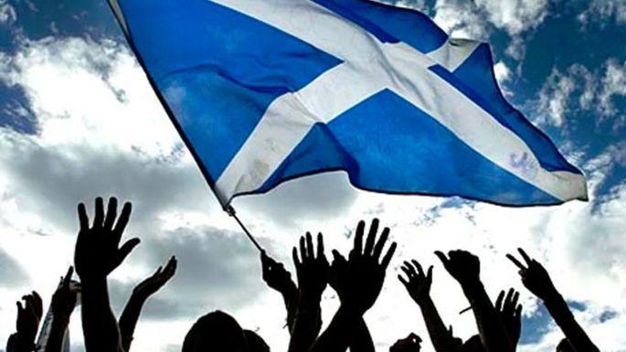 İskoçya referanduma gidiyor!