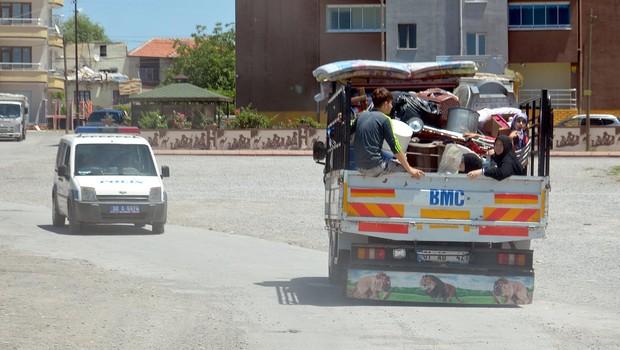Suriyeli aileler o mahalleyi terk ediyor
