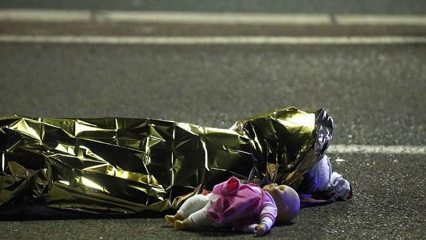 Fransa'da ölenlerin 12'si çocuk!