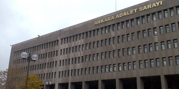 Ankara'da 132 hâkim ve savcı tutuklandı