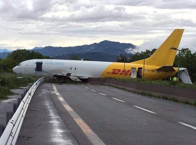 İtalya'da uçak kazası