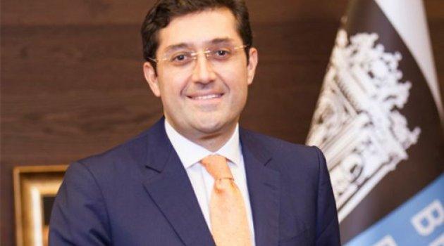 Beşiktaş Belediye Başkanı'na yurtdışı yasağı