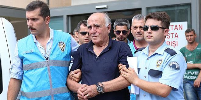 Hakan Şükür'ün babası hastaneye kaldırıldı!