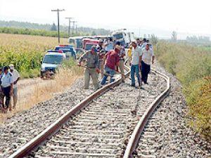 Aşırı sıcaktan tren raydan çıktı: 13 yaralı