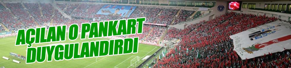 Bursaspor taraftarından anlamlı pankart