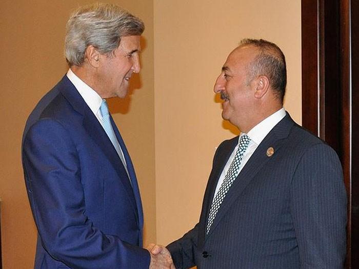 Çavuşoğlu-Kerry Çin'de görüştü