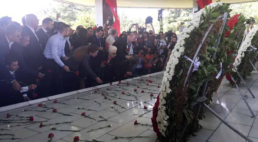 Adnan Menderes idam edilişinin 55. yıldönümünde anıldı