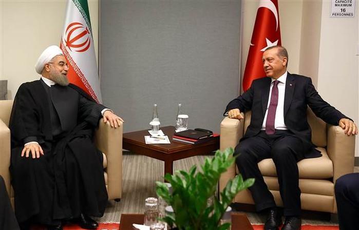 Erdoğan, İran lideri Ruhani ile görüştü