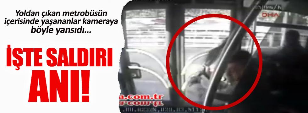 İşte metrobüs şoförüne şemsiyeyle saldırı anı!