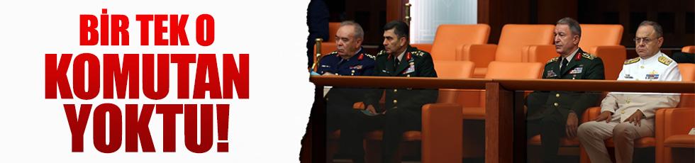 Jandarma Genel Komutanı 'ayrı' oturdu