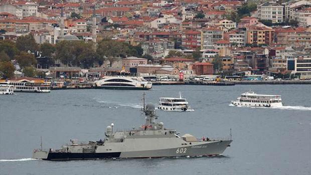 Füze yüklü Rus gemisi Boğaz'da...