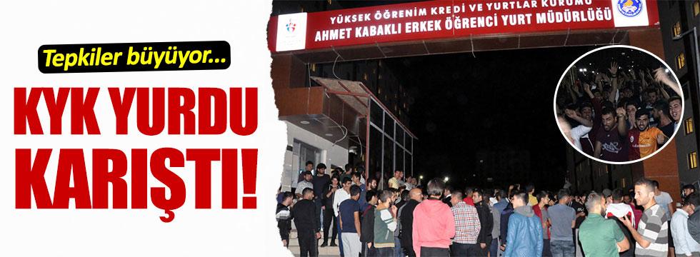 Elazığ'da KYK yurdunda kalan öğrencilerden protesto