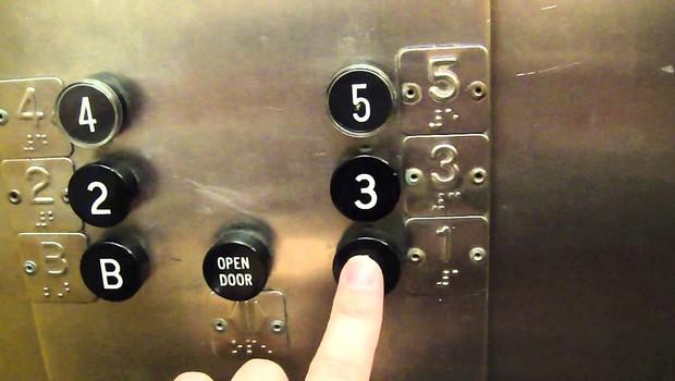 Bu kadarına da pes! Engelli asansöründe fuhuş!