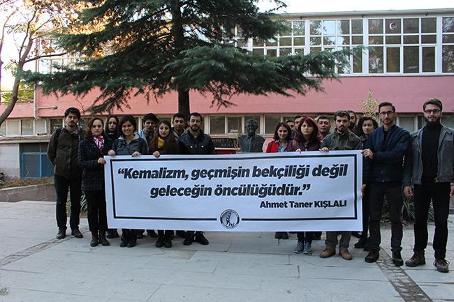 Ahmet Taner Kışlalı Unutulmadı