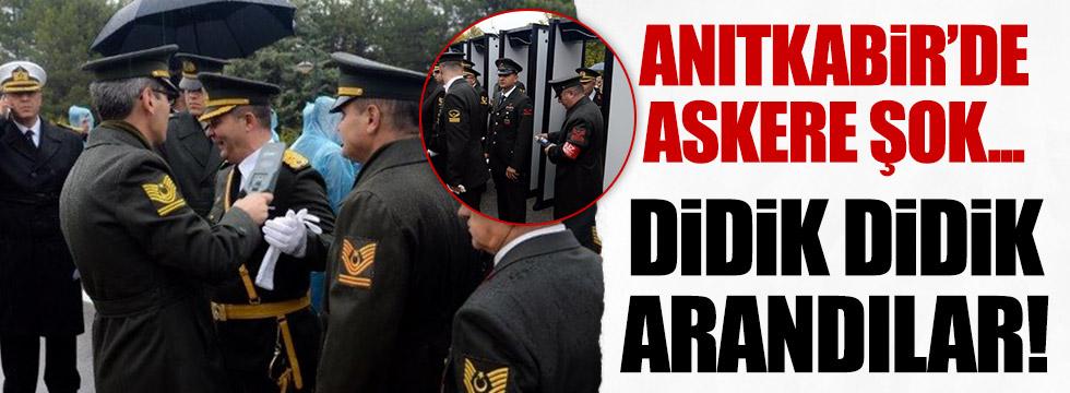 Anıtkabir'e askerler aranarak girdi