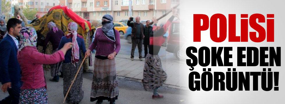 Sokakta kadın kıyafeti giymiş erkekler!