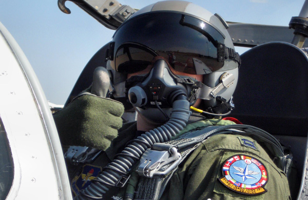 Bir teröristin kafasına bir F-16...