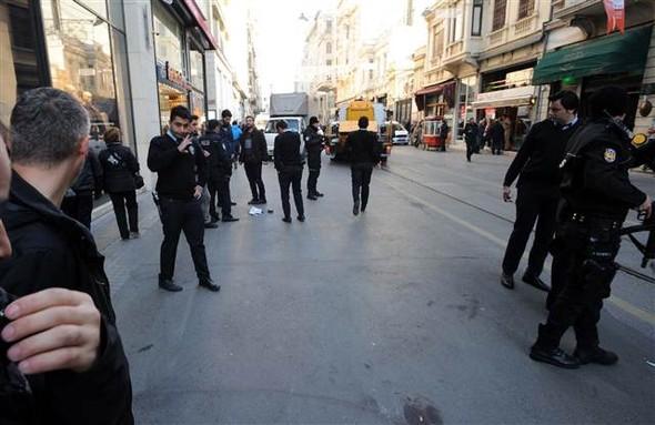 İstiklal Caddesi'nde silah sesleri!