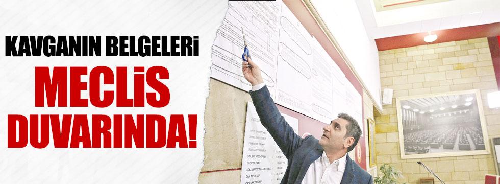 CHP'li Erdoğdu kavganın belgelerini Meclis duvarına astı