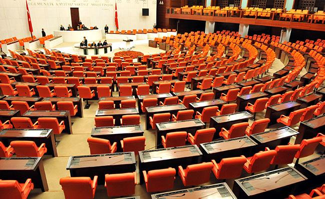 Anayasa değişikliği Meclis'te imzaya açıldı