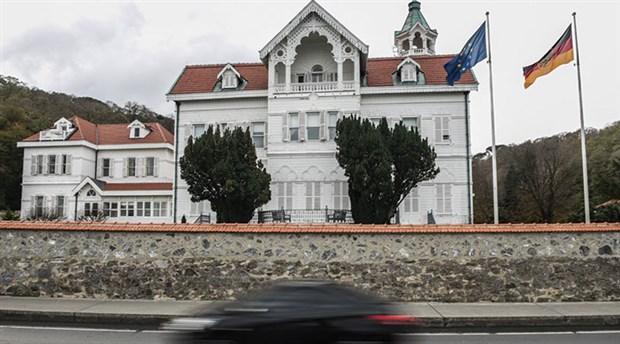 Alman Büyükelçiliği önünde şüpheli paket!