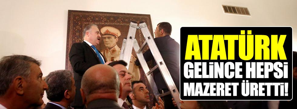 Atatürk'ün posterine CHP'den iade-i itibar