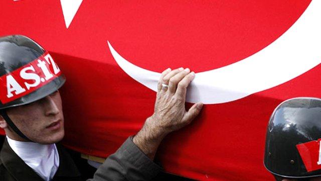 Diyarbakır'da hain saldırı! 1 asker şehit