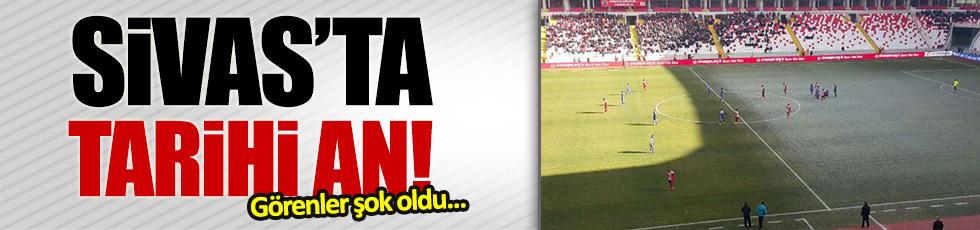 Sivas 4 Eylül Stadı'nda tarihi görüntü