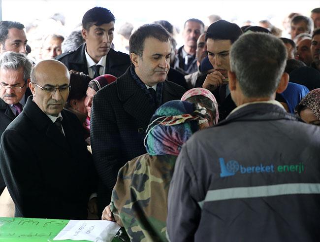 AB Bakanı Ömer Çelik yaşlı kadınla dalga geçti