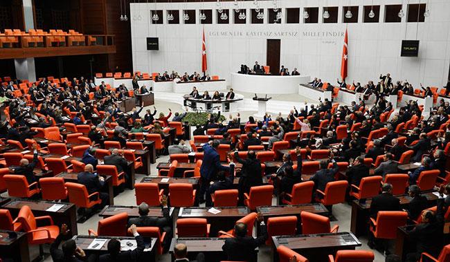 MHP'de yeni Anayasa için imzalar atıldı mı?