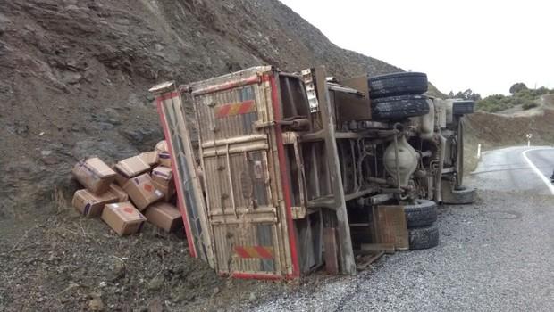 Dinamit yüklü kamyon kaza yaptı!