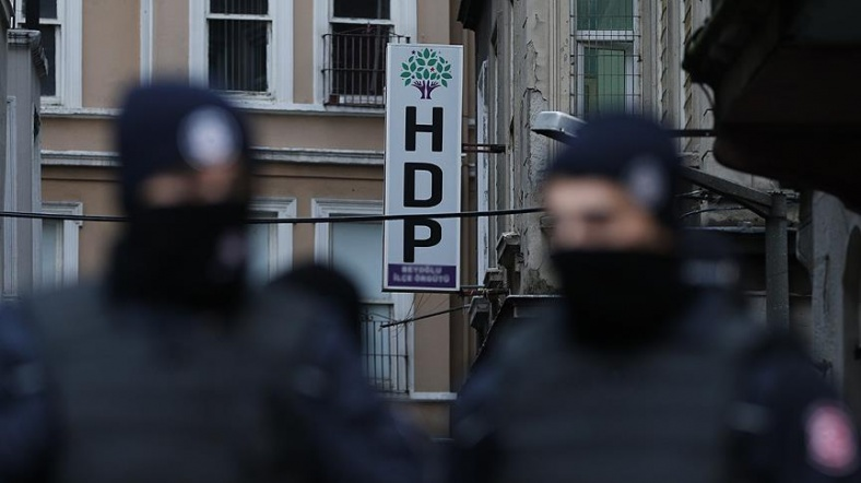 Gözaltına alınan HDP'li vekil serbest