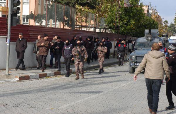 Bin polisle terör operasyonu