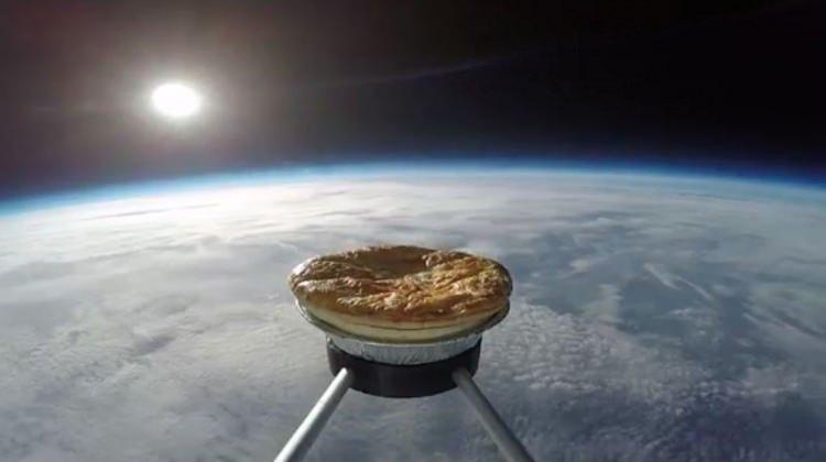Uzaya etli patatesli tart gönderdiler!