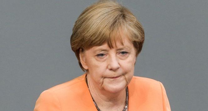 Merkel: Terörle yaşamak istemiyoruz