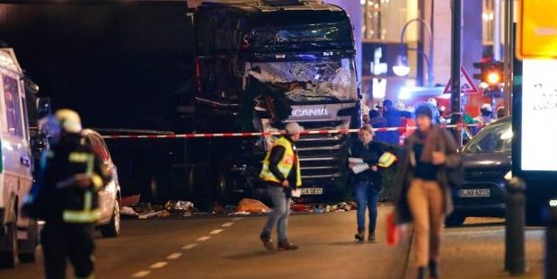 Berlin'deki saldırıda polis parmağı