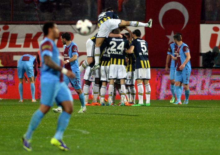 Trabzonspor-Fenerbahçe maçı için flaş karar!
