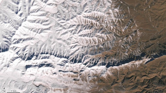 Sahra'ya yağan kar uzaydan fotoğraflandı