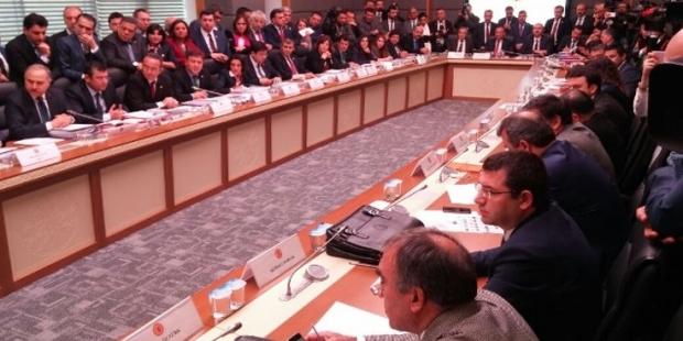 Anayasa Komisyonu'nda tartışma