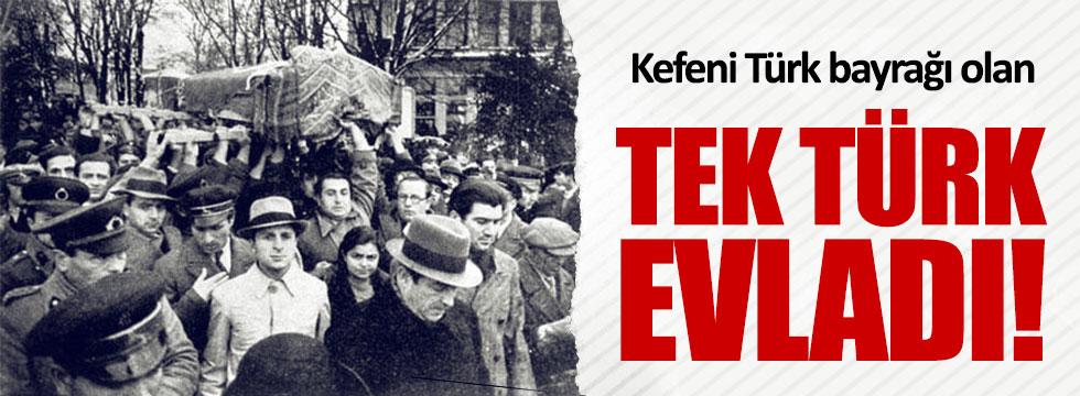 Kefeni Türk Bayrağı olan tek Türk
