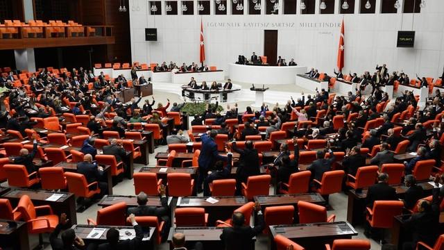 Başkanlık teklifi Meclis'e geliyor