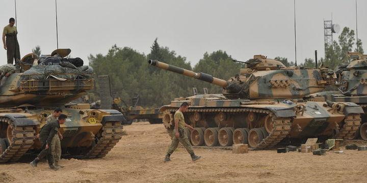 Irak sınırında askeri tatbikat