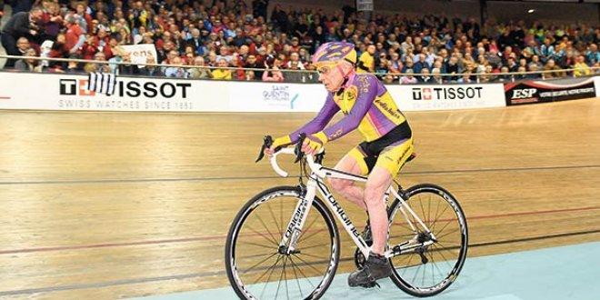 105 yaşındaki bisikletçiden dünya rekoru